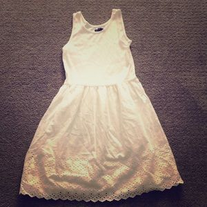 I am selling a nice white dress
